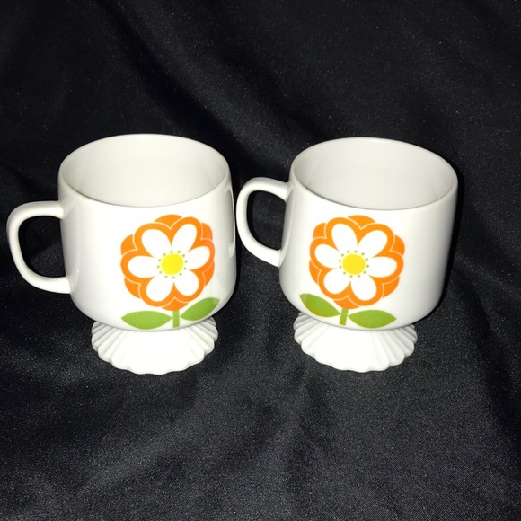 MCM ReTrO DAISY Coffee Cups~Set of 2